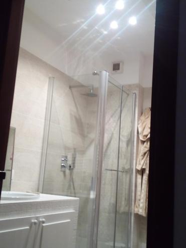 Montaggio del box doccia a Roma